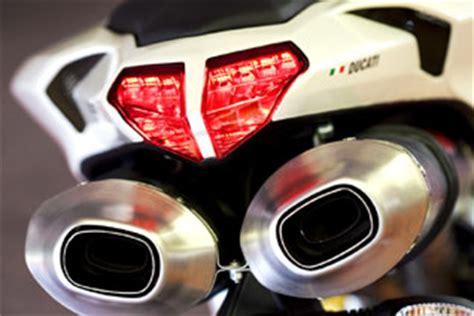 Motorrad Auspuff Unterm Heck by Ducati 848 Testbericht