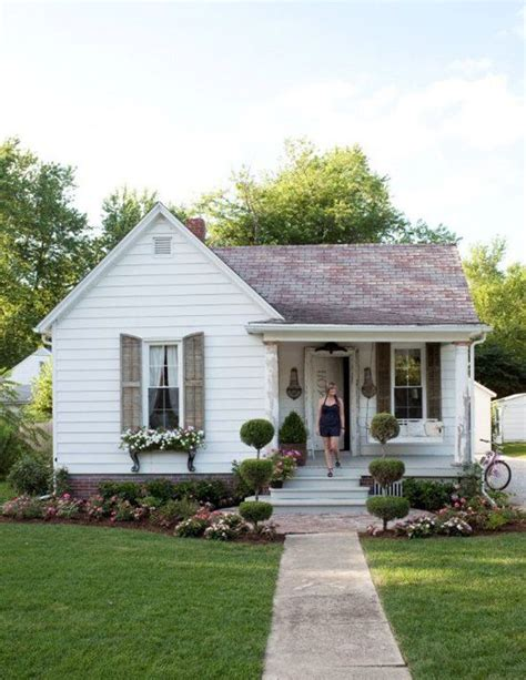 remodeling a little white house 25 best ideas about little houses on pinterest names