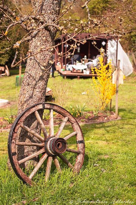 Gartendeko Wagenrad by Die Besten 25 Wagenrad Ideen Auf Wagenrad F 252 R