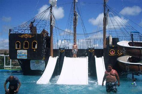 barco pirata zona hotelera cancun capilla picture of panama jack resorts cancun cancun