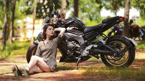 wallpaper girl and bike girl with bike wallpaper images megahdscreen pinterest