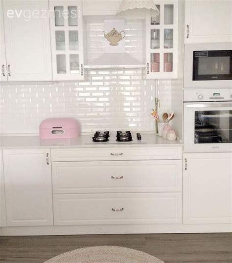 pin beyaz modern mutfak tezgah tasarimi on pinterest mutfak pembe mutfak aksesuar amerikan mutfak beyaz