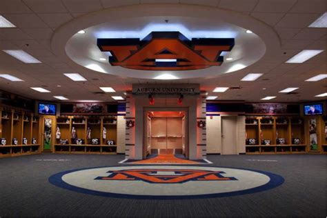 college locker room top 10 college locker rooms lendedu