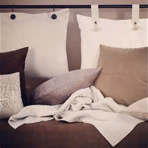 pillow headboards 25 best ideas about pillow headboard on pinterest