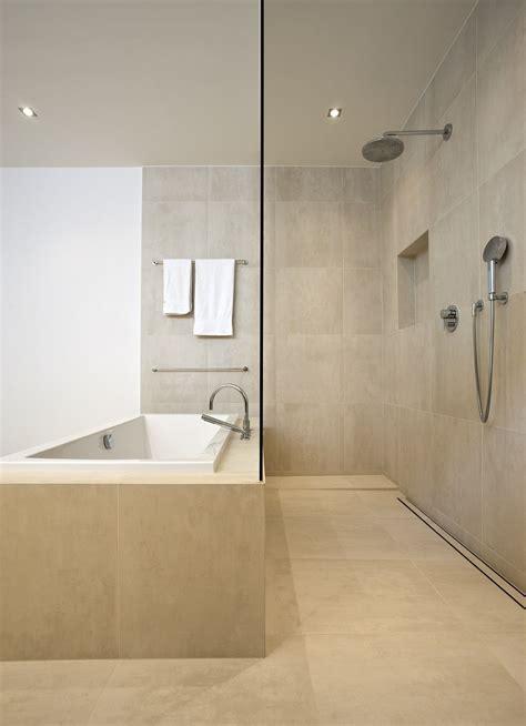 Dusche Und Badewanne Kombiniert by Dusche Und Badewanne Perfekt Kombiniert Bauemotion De