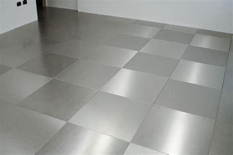 piastrelle acciaio pavimenti in acciaio inox