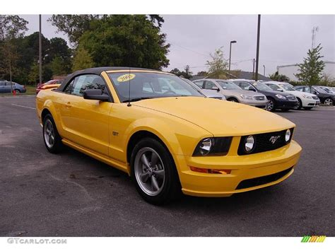 2005 ford mustang yellow 2005 screaming yellow ford mustang gt deluxe convertible