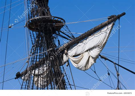 zeil mast picture of mast ropes and sails
