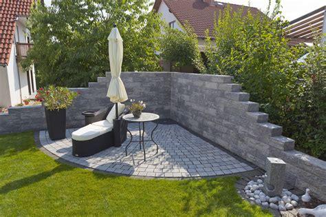freistehende mauer bauen romano mauer rustica rinn betonsteine und natursteine