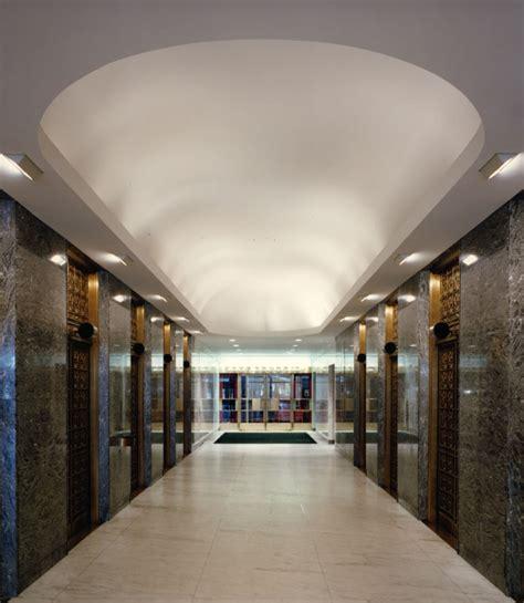 sun e elevator lobby