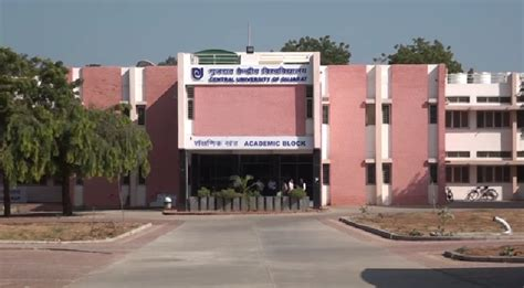 Mba Colleges In Gandhinagar by Central Of Gujarat Cug Gandhi Nagar