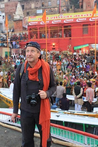 wann ist morgen sonnenaufgang der heilige fluss ganges ghats und verbrennungsst 228 tten in