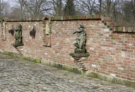 Alte Balken Im Garten by Rekers Garten Und Landschaftsbau 187 Gestaltung Mit Antiken