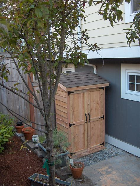 Mini Garden Shed by White Mini Cedar Storage Shed Diy Projects