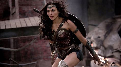download film gal gadot gal gadot wonder woman hd wallpaper download