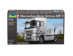 Revell 124 Mercedes Actros Mp3 1 revell 1 24 mercedes actros mp3 07425 163 44 99