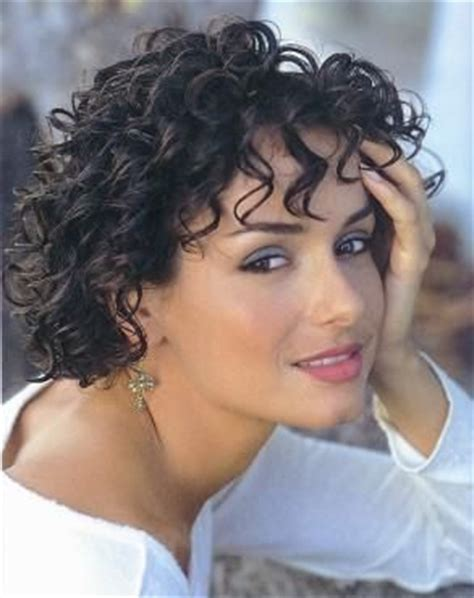heavy set curly cuts 123 best images about hairstyles for me on pinterest