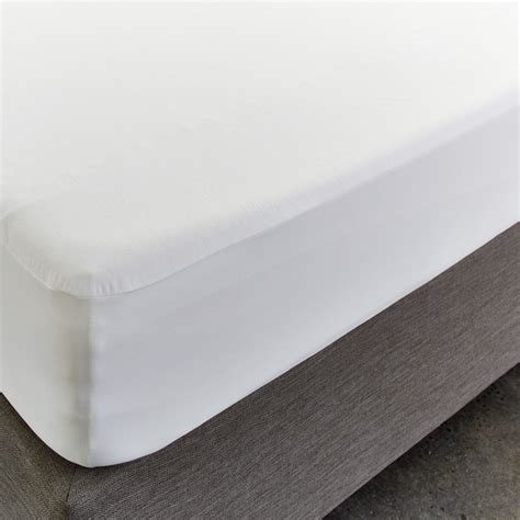 Mattress Protector by Cumfysafe Tencel Fitted Waterproof Mattress Protector By
