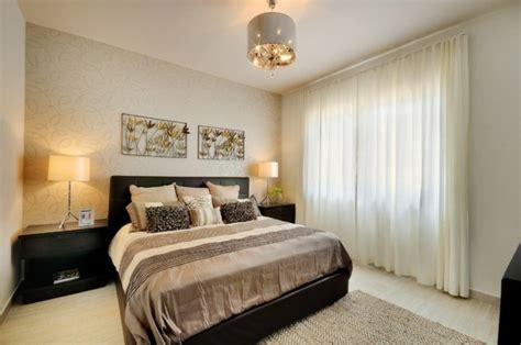 lustre pour chambre lustre chambre adulte solutions pour la d 233 coration