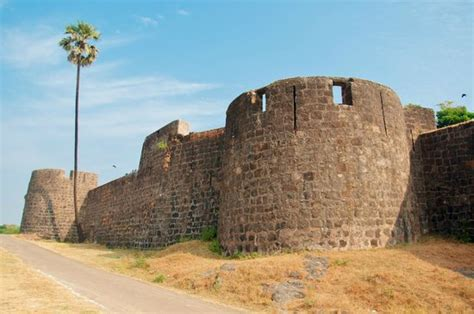 Madh Fort (Mumbai) - What to Know Before You Go - TripAdvisor