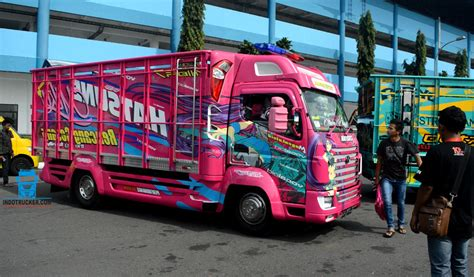 Kaos Anime I Mitsubishi kumpulan foto modifikasi truk terbaru at kontes kamt jogja