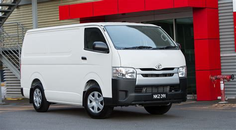 2014 Toyota Hiace Boosts Comfort Safety Specification