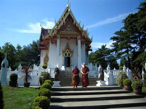 buddhist temple south situated in wimbledon the