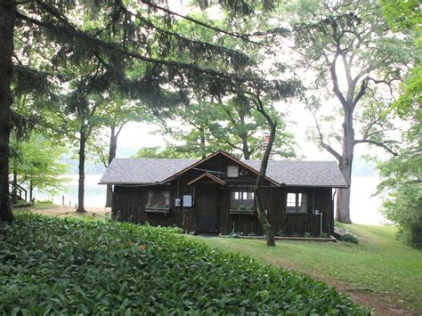 Lakefront Log Cabins For Sale In Michigan by Crooked Lake Log Cabin Lakefront Chelsea Vrbo