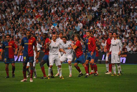 real madrid fc photos file forcejeo real madrid fc barcelona jpg wikimedia