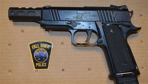 Fall River Arrest Records Fall River Arrested For Sneaking Pellet Gun Into Court Wpro