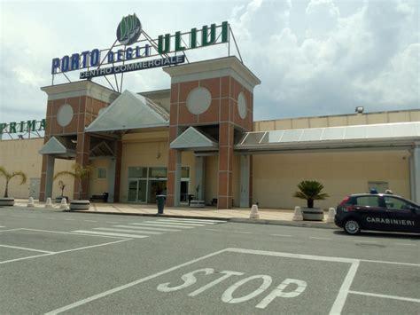 centro commerciale porto falso allarme al centro commerciale inquieto notizie