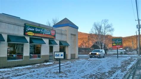gorham house of pizza new location picture of gorham house of pizza gorham tripadvisor