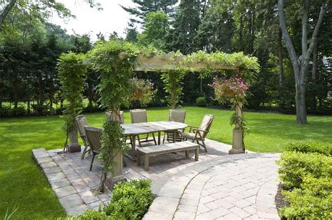 houzz backyards design 101 pergola outdoor rooms home infatuation
