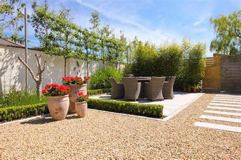 mediterrane gartengestaltung mediterranean courtyard garden cabinteely landart