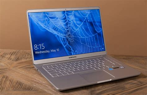 samsung notebook    review big screen feather