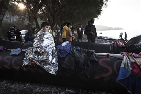 syrian refugee crisis boat these are the most powerful photographs of the syrian