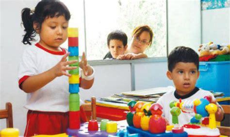 imagenes niños felices jugando im 225 genes de ni 241 os felices jugando y con frases tiernas