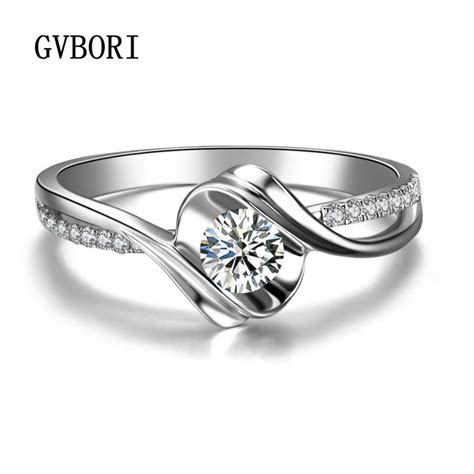 picking the right jewellery for unique designs for