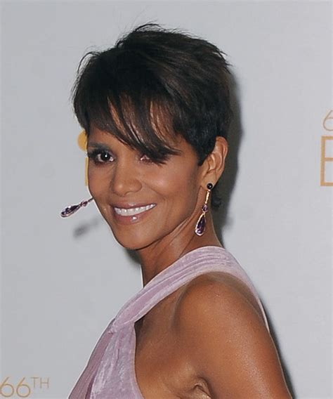 back view of halle berry hair pictures of halle berrys short haircuts from the side and