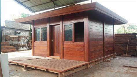 maison de poupéé en bois 500 cottage bungalows pavillons bois en kit avec mobiteck