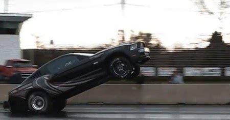 viertelmeile ford mustang cobra jet wheelie geht schief myauto das autoblog im internet