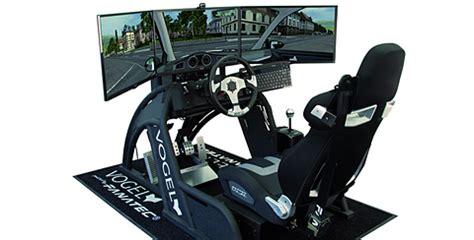 Auto Fahrsimulator by Fischer Academy