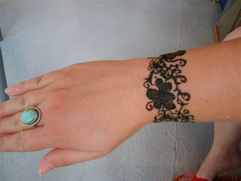 vine wrist tattoo vine 11 vine wrist on tattoochief