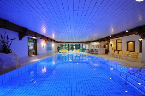 schwimmbad mit überdachung alle hotels mit schwimmbad in der l 252 neburger heide