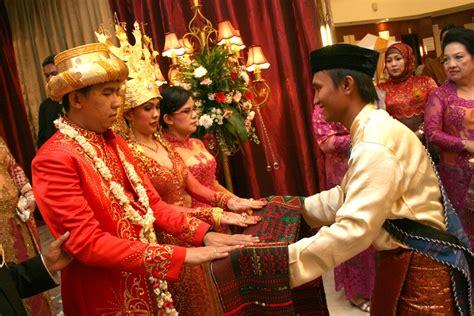 Weddingku Adat Batak prosesi pernikahan adat batak mandailing weddingku