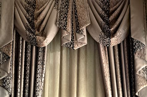 swags and tail curtains swag curtain wallpaper wallpapersafari