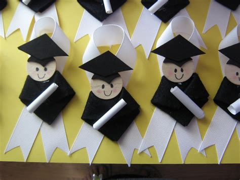 pattern for preschool graduation gown graduation pins for moms to wear at kindergarten or