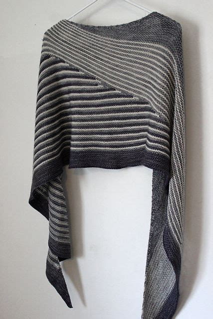 Pashmina Monochrom 2 colour affection shawl i did one of these in 2 greens and light gray i really like it in this