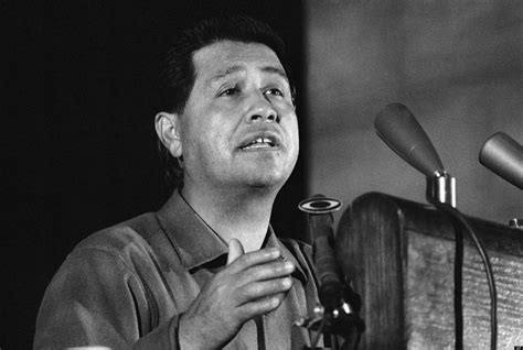 cesar chavez cesar chavez born in march 31 1927 in yuma arizona the