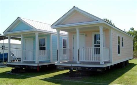 small mother in law house small modular cottages one is also handicap approved so